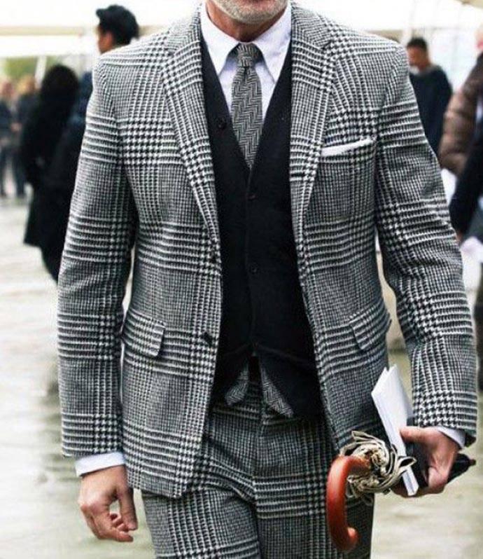 灰色格紋西服